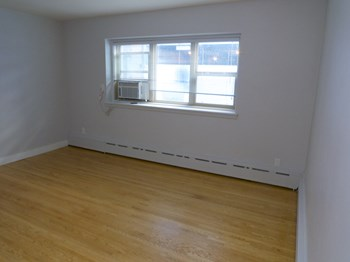 85 Hargrave Street Studio-1 Bed Apartment for Rent Photo Gallery 1