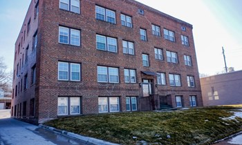 2714 Ingersoll Avenue 1-2 Beds Apartment for Rent Photo Gallery 1