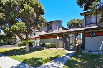 20810 Arline Avenue 2 Beds Apartment for Rent Photo Gallery 1