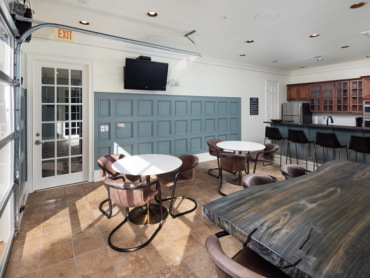 Resident Clubhouse Featuring a Resident Lounge with Full Kitchen at The Berkeley Apartment Homes, Duluth, GA 30096