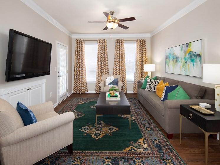 Modern Living Room with Lofty 9' Ceilings with Crown Moulding at The Berkeley Apartment Homes, Duluth, GA 30096