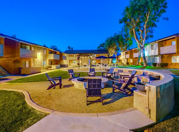 Unique Courtyard Design at Pacific Trails Luxury Apartment Homes, California