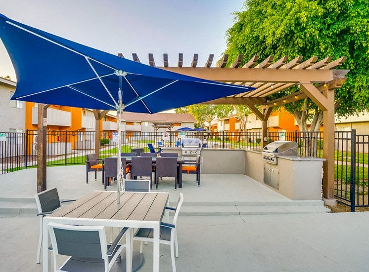 Poolside Sundeck And Grilling Area at Pacific Trails Luxury Apartment Homes, Covina, CA, 91722