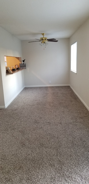 1709 Martin Bluff Rd. 1-2 Beds Apartment for Rent Photo Gallery 1