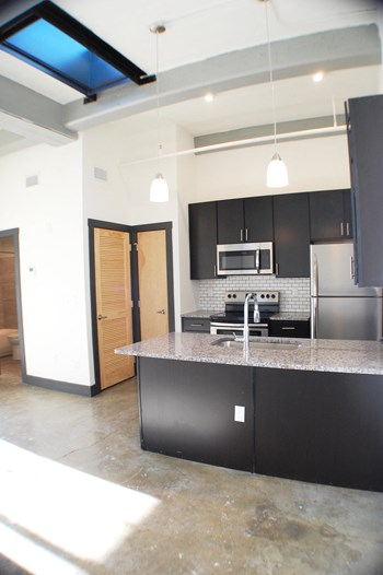 2213 E. Franklin St. 1-3 Beds Apartment for Rent Photo Gallery 1