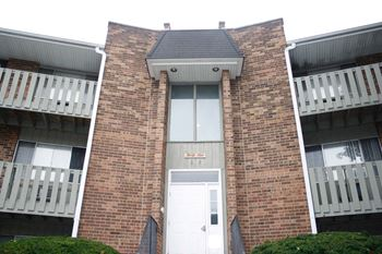 1559 Maple 2 Beds Apartment for Rent Photo Gallery 1