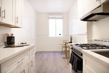 861 Sutter Street 3 Beds Apartment for Rent Photo Gallery 1