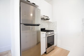 525 Leavenworth Street Studio Apartment for Rent Photo Gallery 1