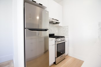 525 Leavenworth Street Studio-2 Beds Apartment for Rent Photo Gallery 1