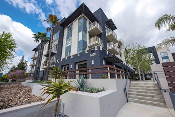 6300 Variel Ave 1-2 Beds Apartment for Rent Photo Gallery 1