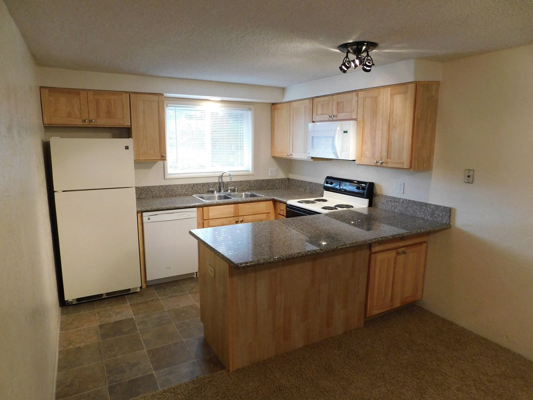 Chalet Apartments Kitchen Counters