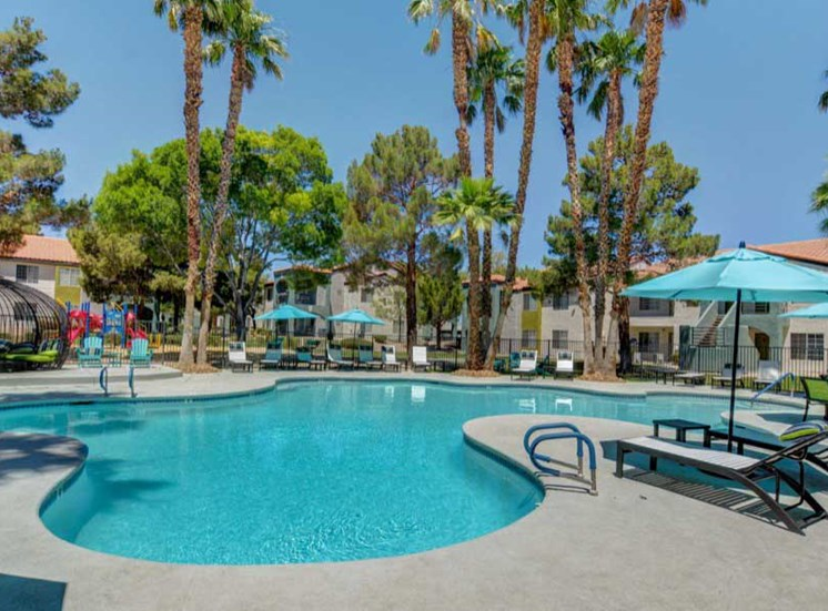 Resort Style Oversized Swimming Pool