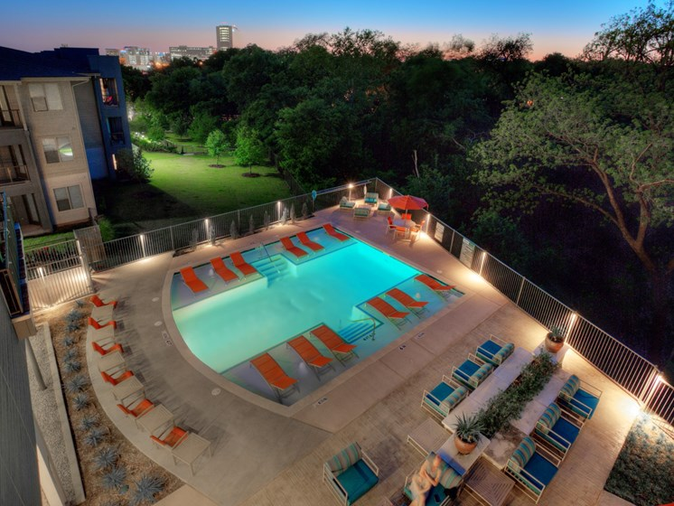 aerial pool apartments in uptown dallas