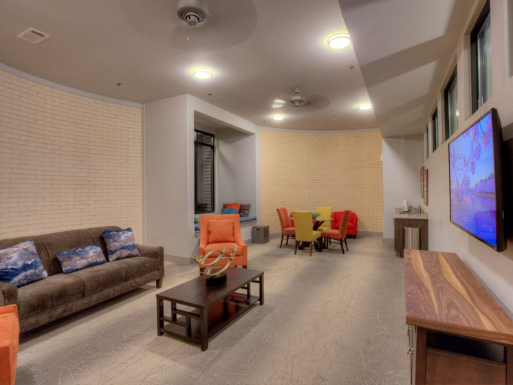 clubroom apartments in uptown dallas