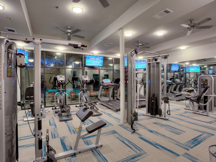 apartments in uptown dallas with fitness center