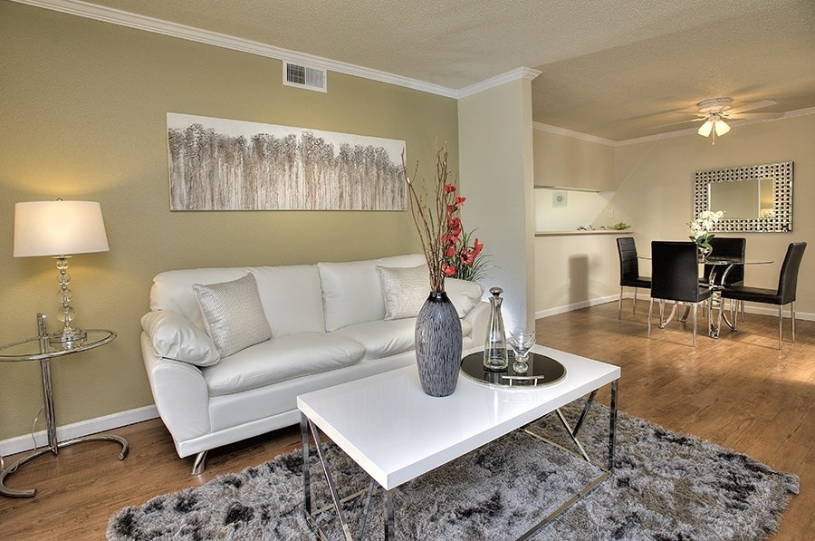 Vacaville Apartments for Rent-Creekside Gardens Apartments Living Room