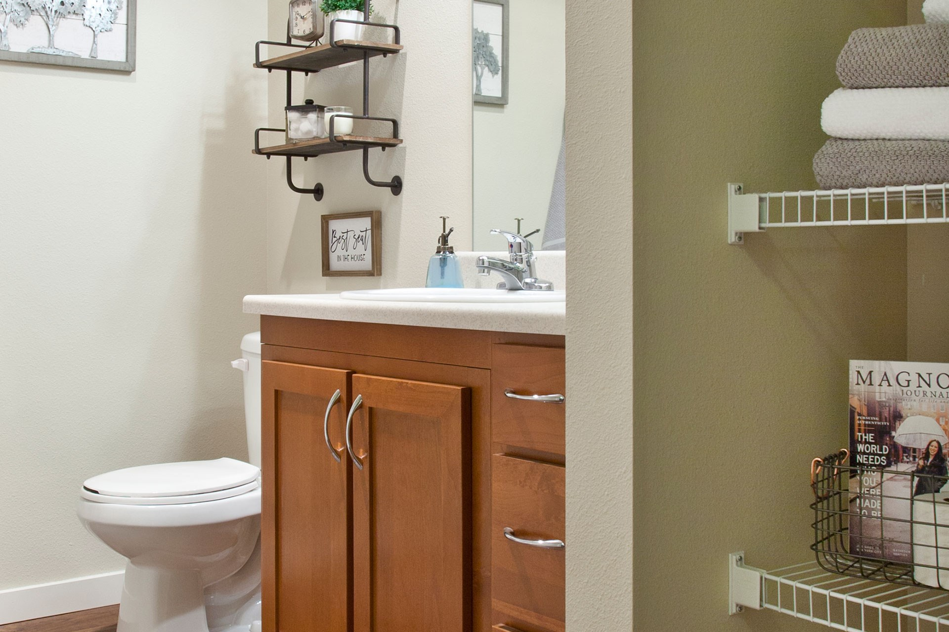 Pine Valley Ranch Apartments Bathroom and Linen Closet