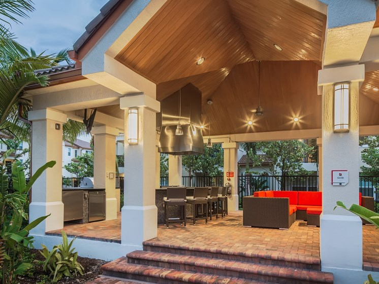 Outdoor Demonstration Kitchen and Lounge