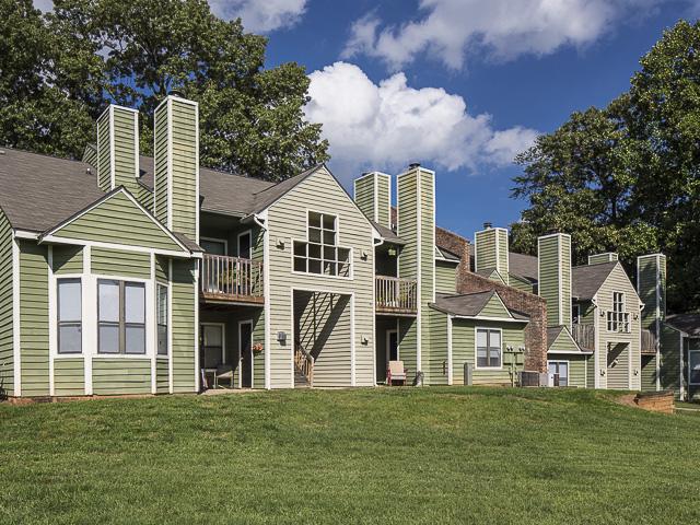 Exterior | Landmark at Battleground Park Apartment Homes Greensboro, NC