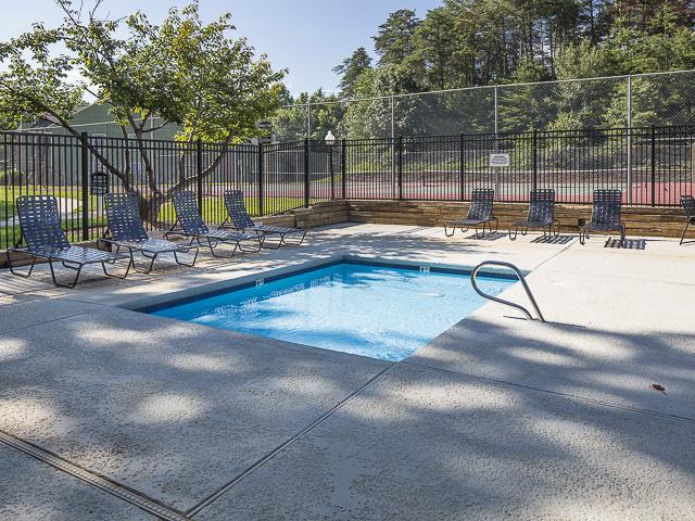 Swimming Pool | Landmark at Battleground Park Apartment Homes Greensboro, NC