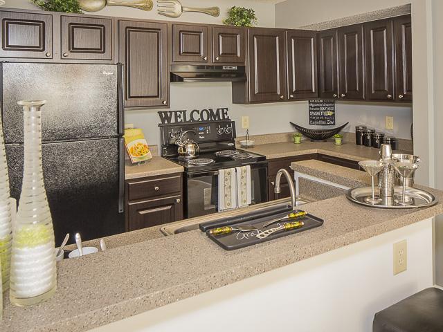 Kitchen | Landmark at Battleground Park Apartment Homes Greensboro, NC