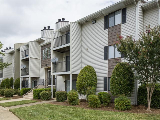 Exterior | Victoria Park Apartment Homes Charlotte, NC