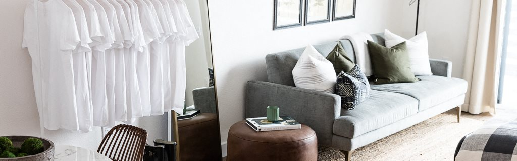 Dining and living area l Maya Oakland | Oakland Apartments | Now Leasing Studio, One, & Two Bedrooms | Apartments Near Bart