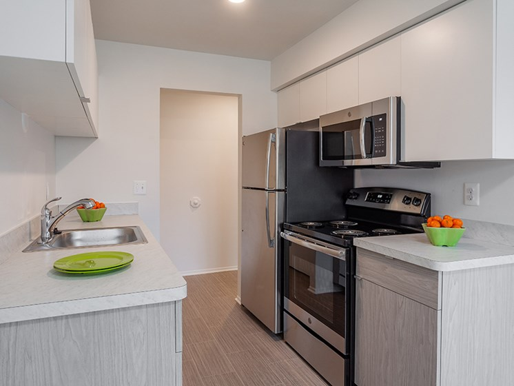 Efficient Appliance Package Available at Lafayette Park Place, Detroit