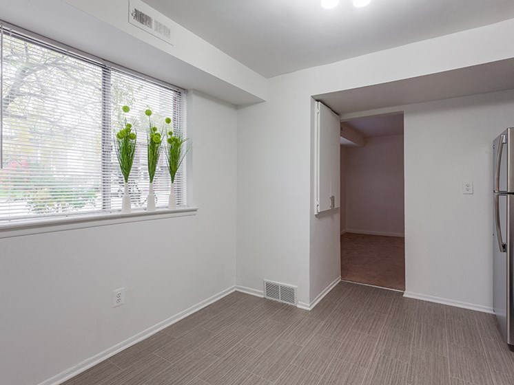 Hardwood Floors at Lafayette Park Place, Michigan, 48207