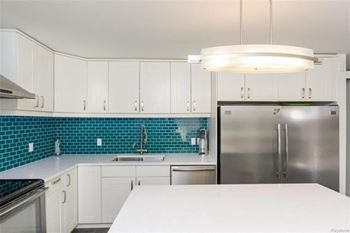 Suite 1 - 1530 Grant Avenue 1 Bed Apartment for Rent Photo Gallery 1