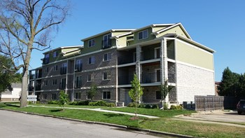 914 Moro St 2-4 Beds Apartment for Rent Photo Gallery 1