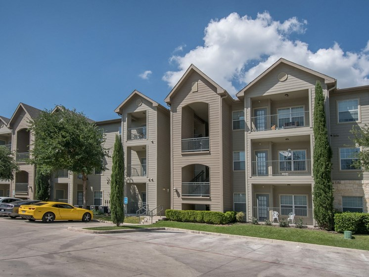 exterior apartments in san antonio