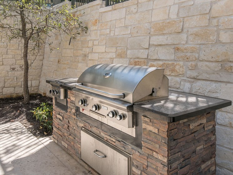 grill apartments in san antonio