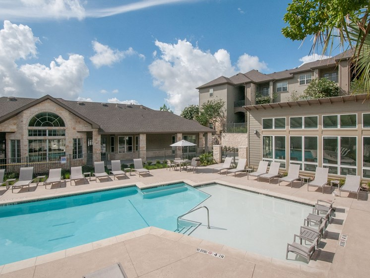 apartments in san antonio with pool