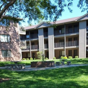 10052 Wirt Plaza 1-2 Beds Apartment for Rent Photo Gallery 1