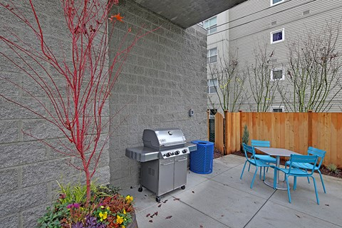Westside Flats Apartment Homes Outdoor BBQ Patio