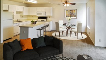 20800 Lake Chabot Rd 1 Bed Apartment for Rent Photo Gallery 1