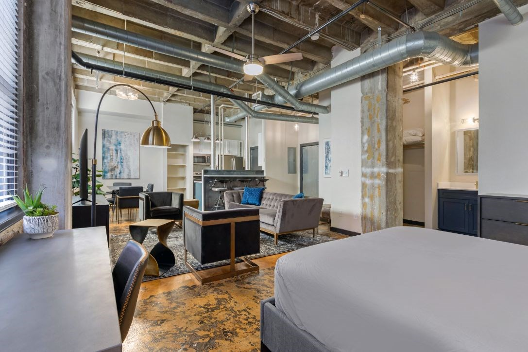 The Indi at Uptown Square Apartments |Spacious Loft Style Open Floor Plan