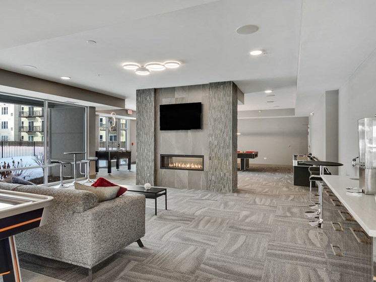 lakeside of oak brook community room
