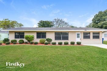 3404 28th Street W 4 Beds House for Rent Photo Gallery 1