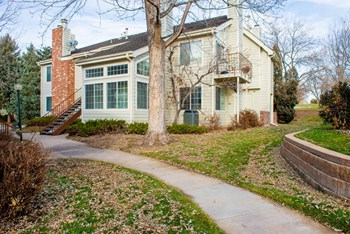 13854 E Lehigh Ave #C 2 Beds House for Rent Photo Gallery 1