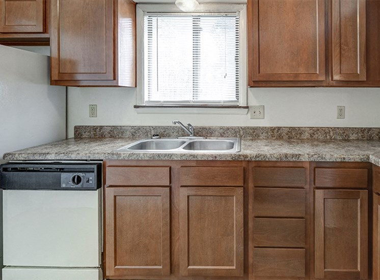 Townhome Kitchen at Woodbridge Castleton