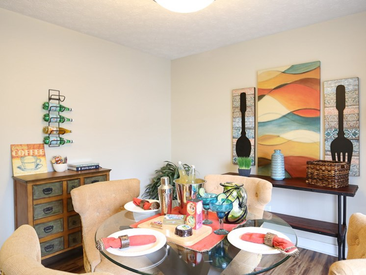 Dining area in apartment at Ardsley Ridge Apartments in Reynoldsburg, OH