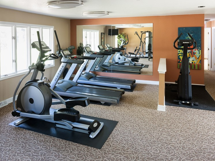 Fitness Center at Ardsley Ridge Apartments in Reynoldsburg, OH