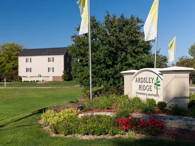 Wecome to Ardsley Ridge Apartments in Reynoldsburg, OH