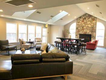 16000 Silver Parkway 1-2 Beds Apartment for Rent Photo Gallery 1