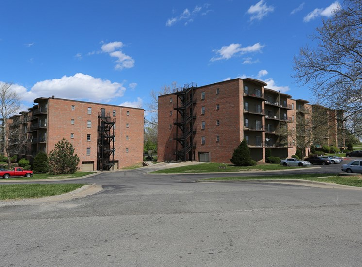 The Ridge at Chestnut Apartments in South Kansas City, MO