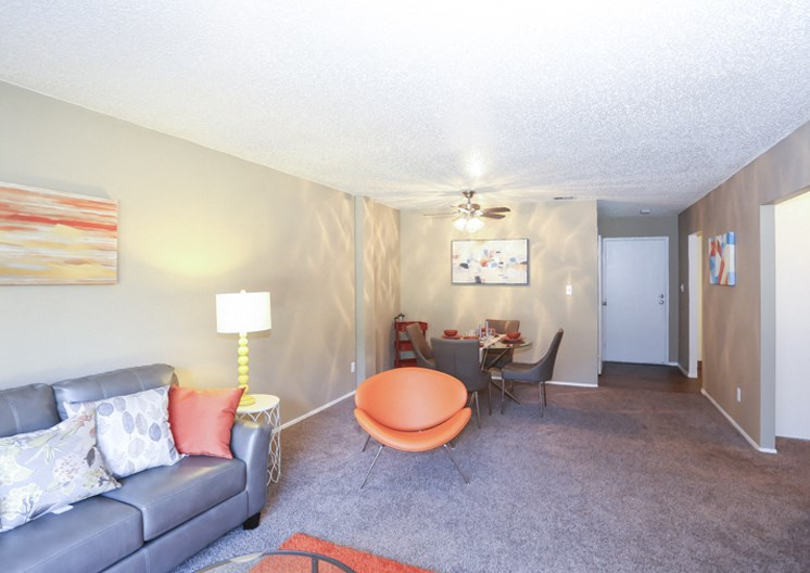 Apartments in Kansas City Dining Room 2