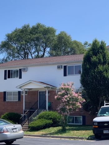1056 Woodstock Lane 2 Beds Apartment for Rent Photo Gallery 1