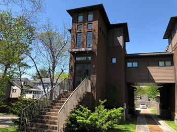 928 Caruthers Avenue 3 Beds House for Rent Photo Gallery 1